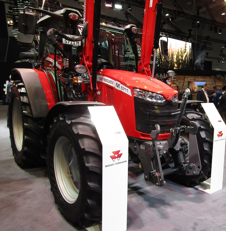 Nuovo MF 5711 M in mostra ad Agritechnica 2019