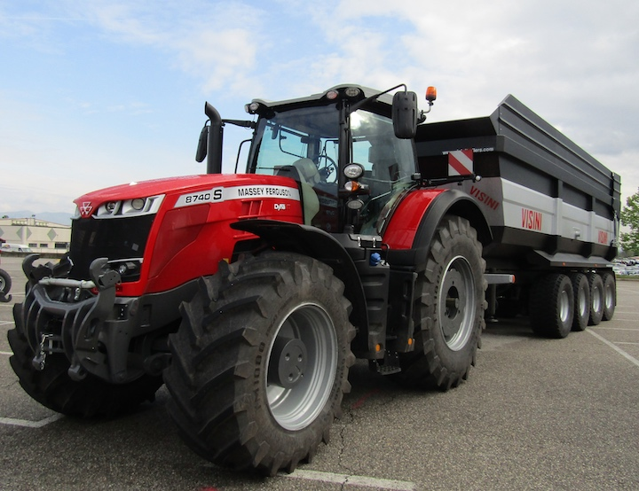 Trattore MF 8740 S Dyna VT al Massey Ferguson eXperience tour