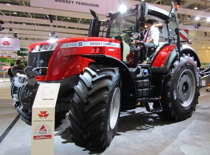 Massey Ferguson 8740 S ad Agritechnica 2017
