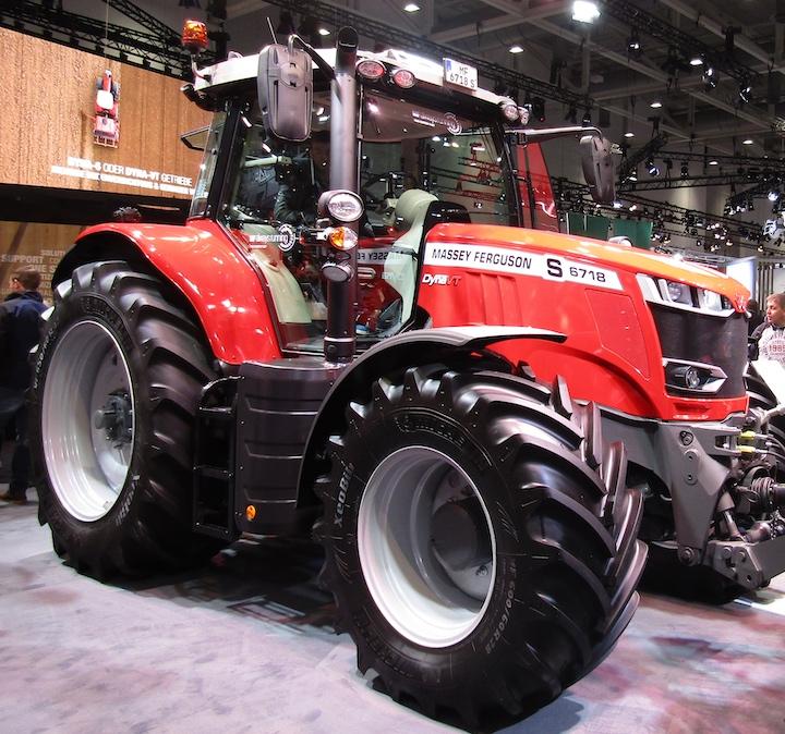 Massey Ferguson MF 6700 S ad Agritechnica 2019