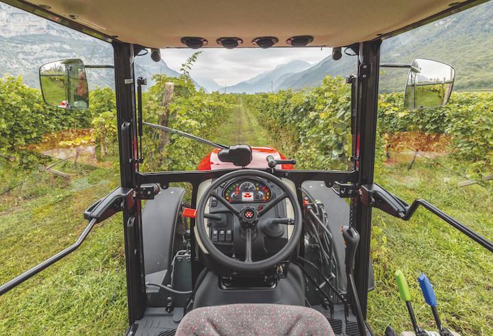 Visuale dalla cabina dei trattori specializzati MF 3700