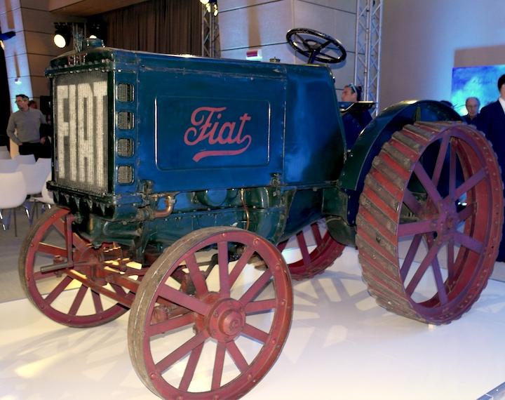 Fiat 702 esposto per la celebrazione dei 100 anni dal primo trattore Fiat