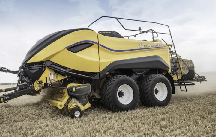 New Holland Big Baler 1290 High Density CropCutter™ in campo