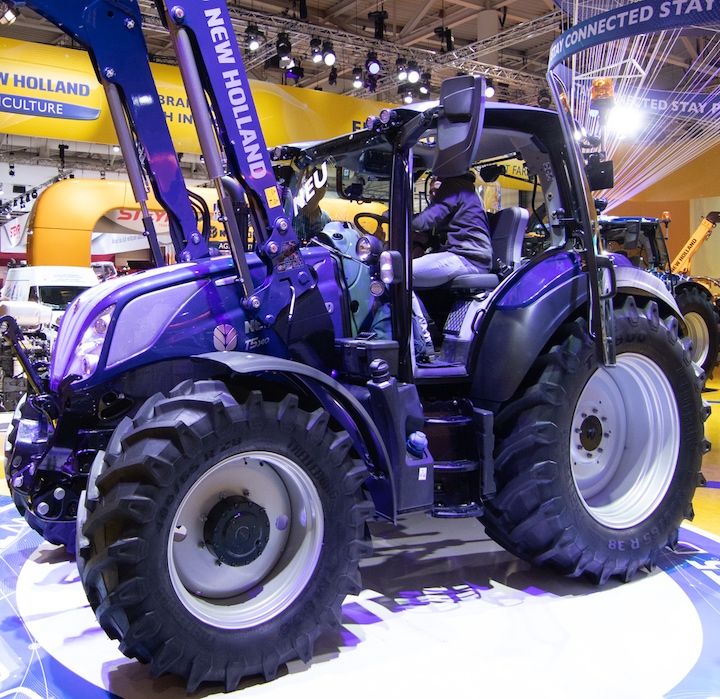New Holland T5.140 Dynamic Command™ con motore Stage V