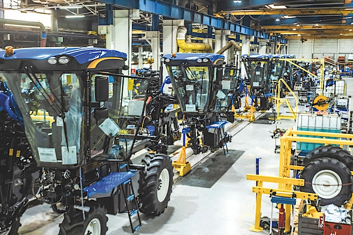 Una linea della fabbrica New Holland di Coëx