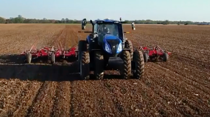 New Holland T8 Genesis® con PLM Intelligence ™ in campo