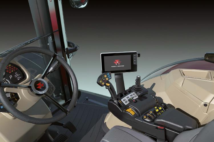 La nuova gamma 8700S offre all'operatore un ambiente di lavoro al top in quanto a confort e sicurezza