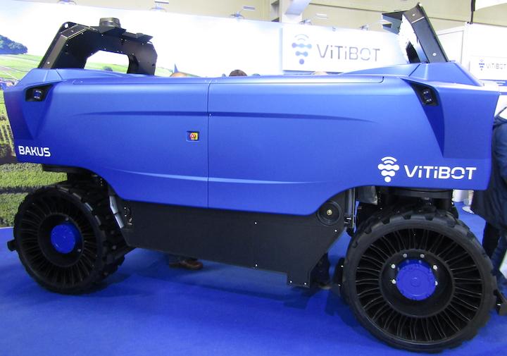 Robot da diserbo Vitibot Bakus in mostra al Sitevi 2019