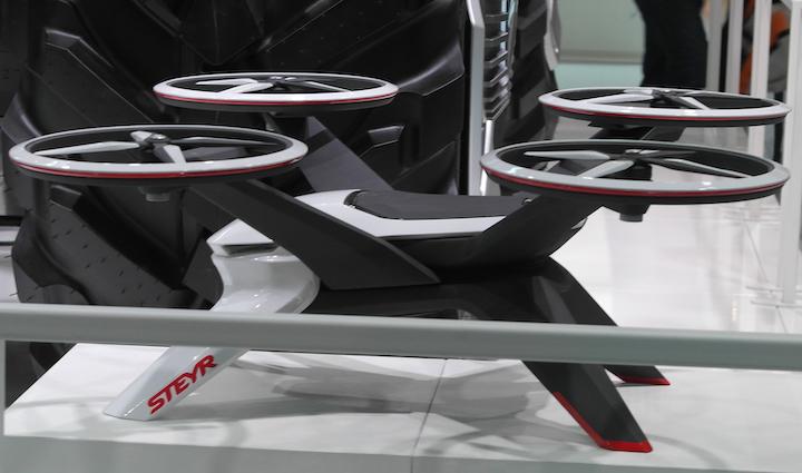 Drone abbinato al modello Steyr Konzept