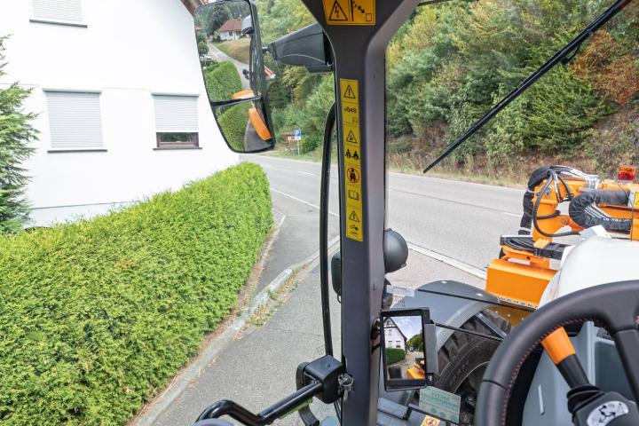 Il sistema cross-traffic permette di vedere in cabina le condizioni della strada