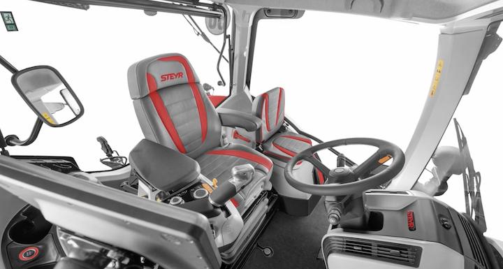 Cabina ricca di novità per i trattori Steyr Terrus CVT