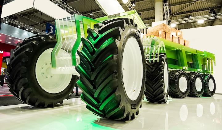 Installazione nello stand Bkt ad Agritechnica 2019