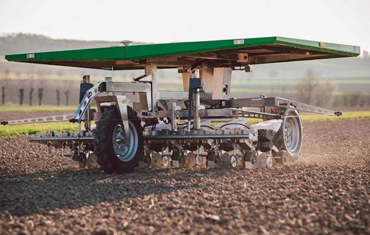 Robot Farmdroid FD20 in campo