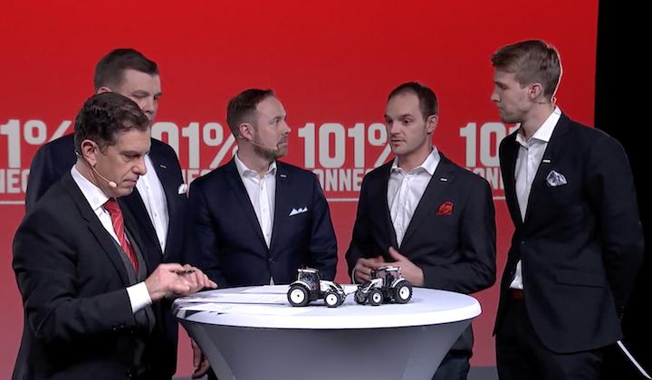 Da sinistra, André Noel Chaker, Jari Rautjarvi, Ville Mansikkamaki, Brandon Montgomery, Juuso Raitanen al lancio della Serie Valtra A HiTech 4