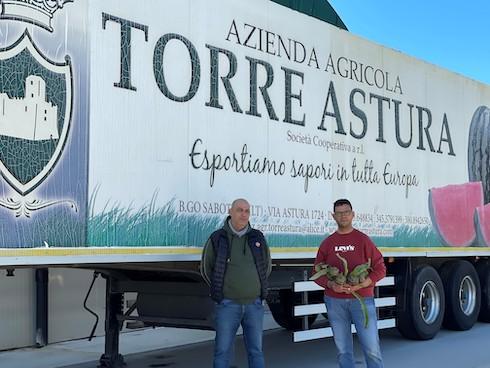 a sinistra  Alessio  Gusella, responsabile vendite Torre Astura, a destra Stefano Lucci, consulente tecnico Torre Astura